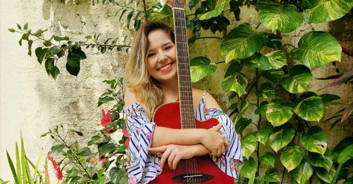 Iana Moral canta os clássicos do samba nesta quinta-feira (26) no Vieiralves