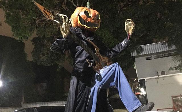 Rock'n'roll, promos e fantasias no Halloween do Porão