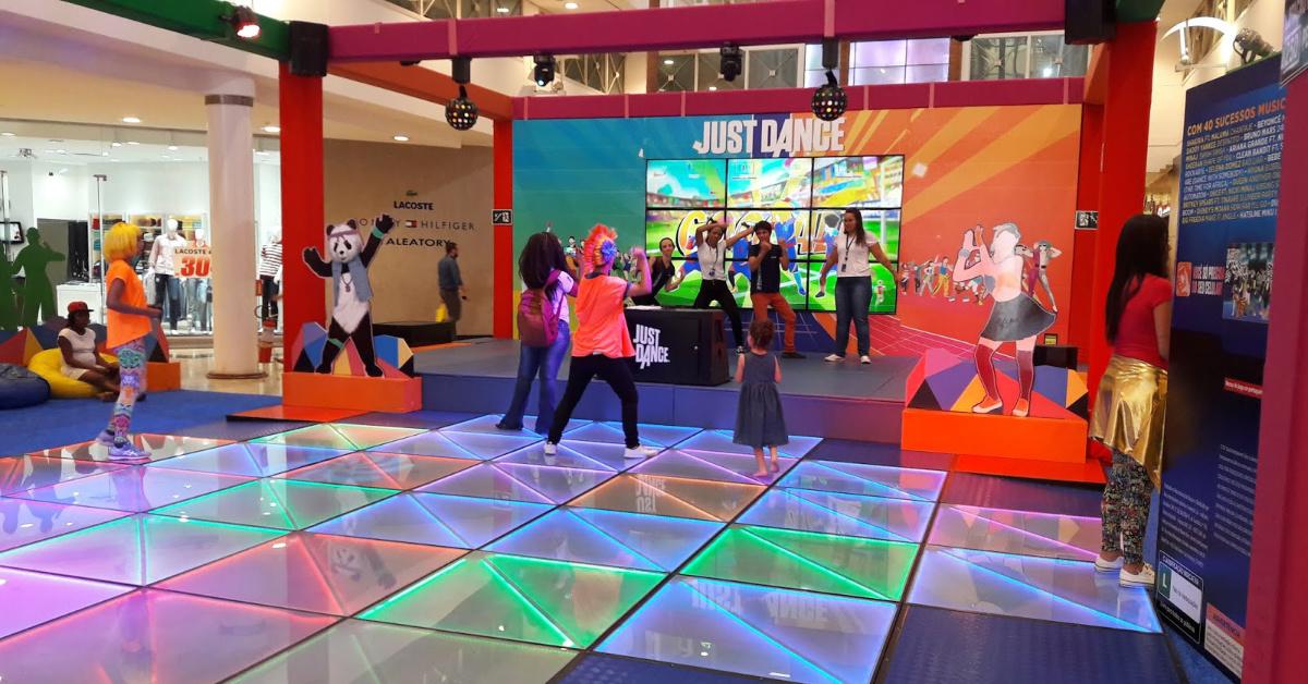 Crianças e jovens com autismo participam de programação especial na atração Just Dance