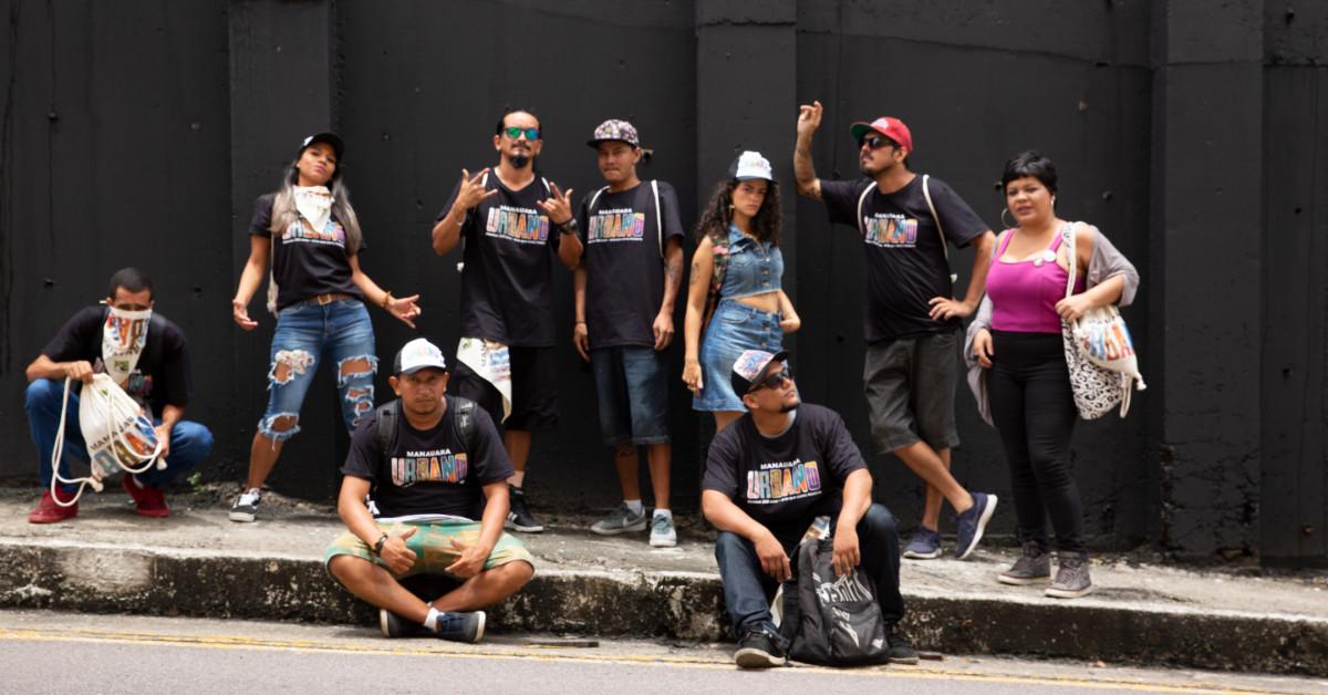 Manauara Shopping promove pintura em muro de mais de 1.4 mil metros quadrados