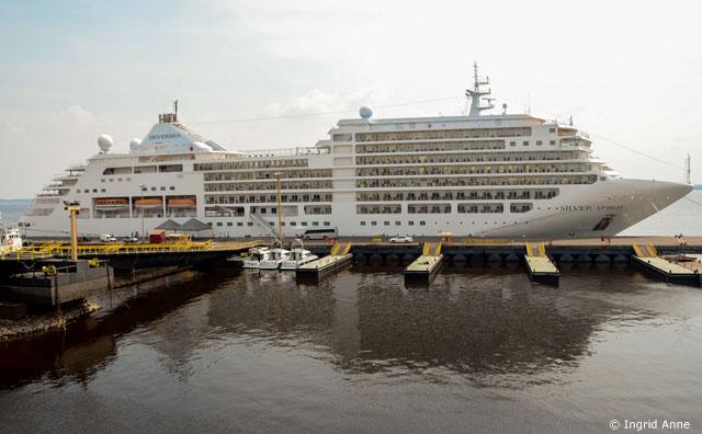 Navio M/S Silver Spirit desembarca em Manaus pela primeira vez