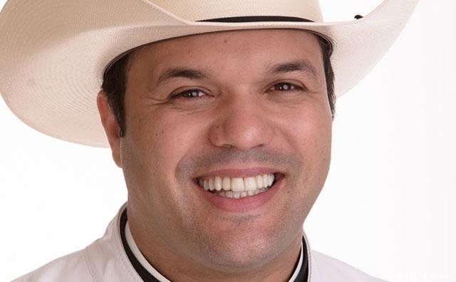 Em dezembro, padre Alessandro Campos vem a Manaus lançar livro