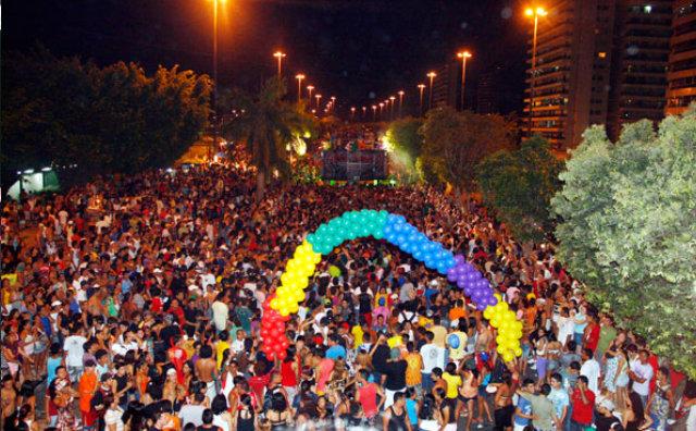 XVII Parada do Orgulho LGBT Manaus 2017 movimenta a Ponta Negra