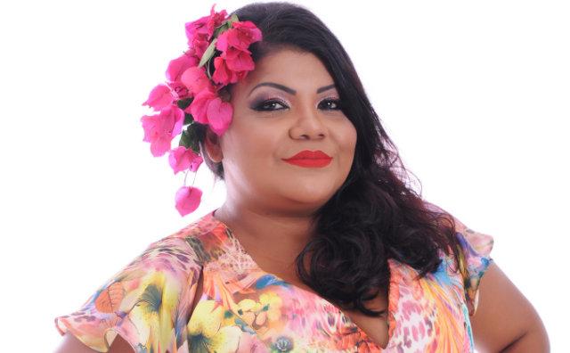 Márcia Siqueira canta muita MPB no Botequim