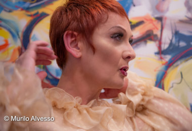Mafalda Minnozzi apresenta show ROMANTICA BOSSA em Manaus