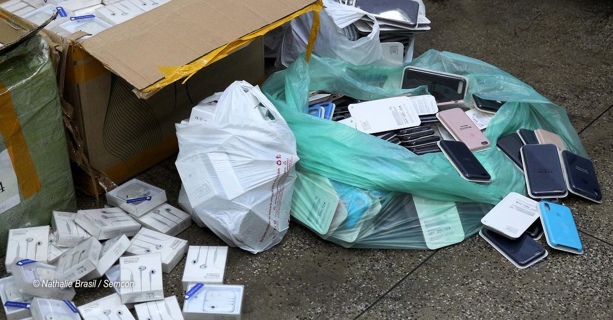 Apreensão de mais de 3,5 mil produtos falsificados da marca Apple