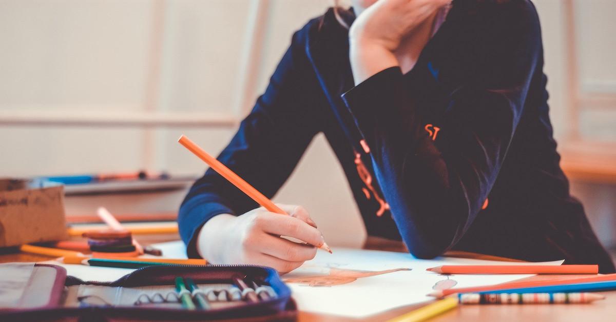 Professora lista possíveis temas para redação do ENEM, prova foi remarcada para 2021
