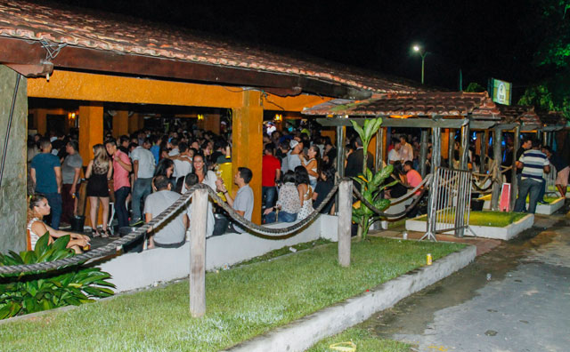 Festa para mulheres agita a véspera de feriado no João de Barro