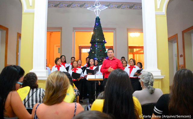 Natal no Paço leva famílias de volta ao Centro Histórico de Manaus