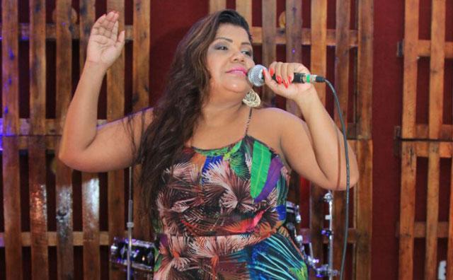 Show Cantos Negreiros exalta cultura afro na Praia da Ponta Negra