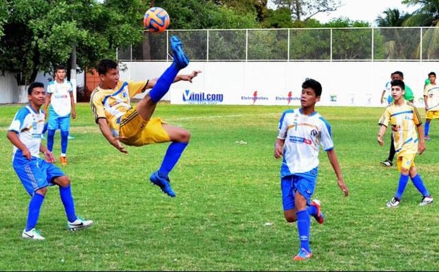 Inscrições para seletiva internacional de futebol do Real Manaus