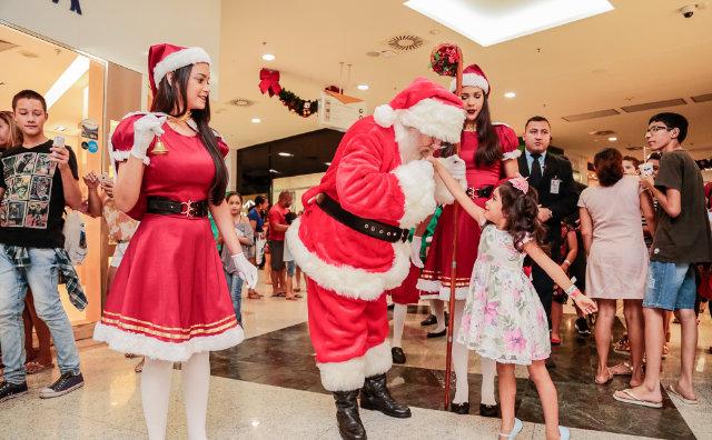 Papai Noel já recebeu mais de 10 mil crianças e adultos
