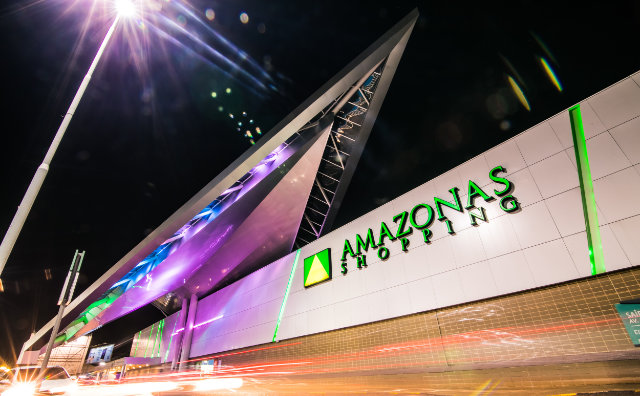 Amazonas Shopping monta posto de coleta de doações