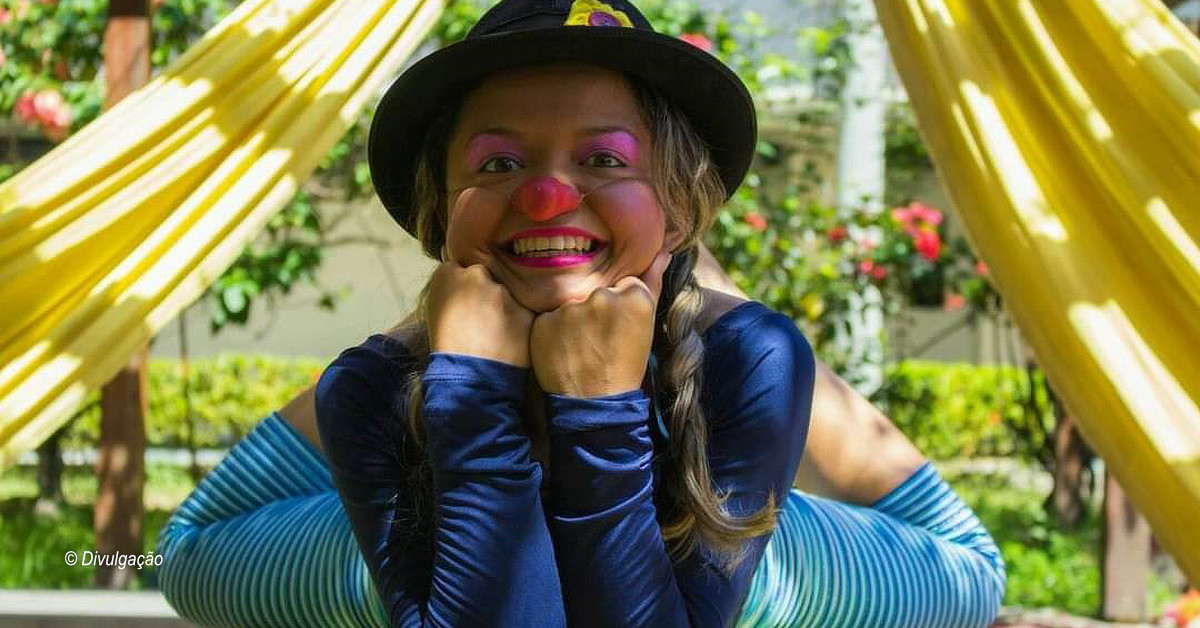 Fora do picadeiro, artistas se reinventam e levam alegria nos bairros de Manaus