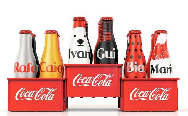 """Coca-Cola faz troca das """"Minigarrafinhas da Galera"""" no AM Shopping"""