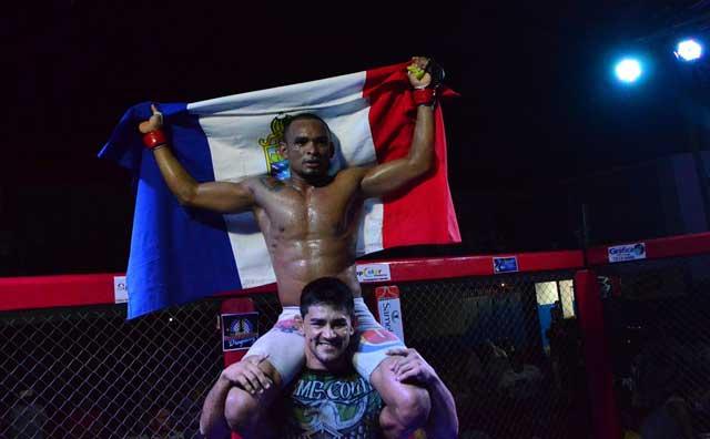 Cleverson Silva brilha na luta principal do Voplata Fight 2