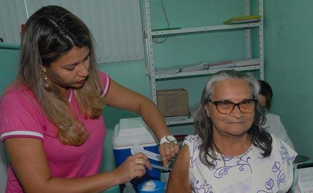 Vacina contra a gripe começa a ser oferecida em unidades de saúde