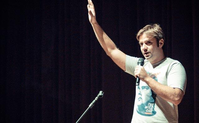 Shows de humor são opções de entretenimento no Teatro Manauara