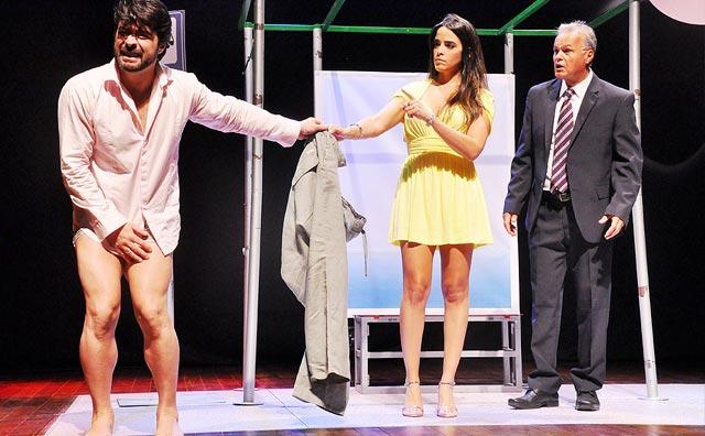 Comédia em dose dupla no Teatro Manauara