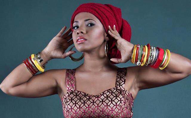 Divas Show traz cantora Thalita Pertuzatti ao Teatro Manauara